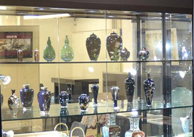 七宝焼の販売・買取を行う【銀座 真生堂】は皿・花瓶など良品が揃う