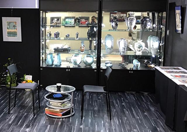 七宝焼を販売している【銀座 真生堂】の店舗はアクセスに便利な東京・銀座
